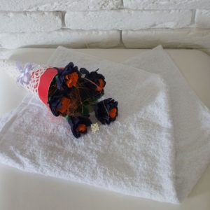 Полотенце белое 450 гр/м2 без бордюра 40×70 см.