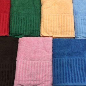 Цветное махровое полотенце 70×140 см.